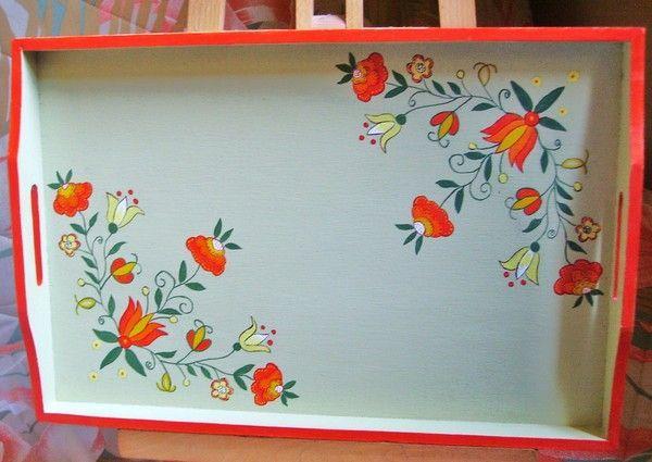Plateau en bois fleurs stylisees - Vernis sur peinture acrylique ...