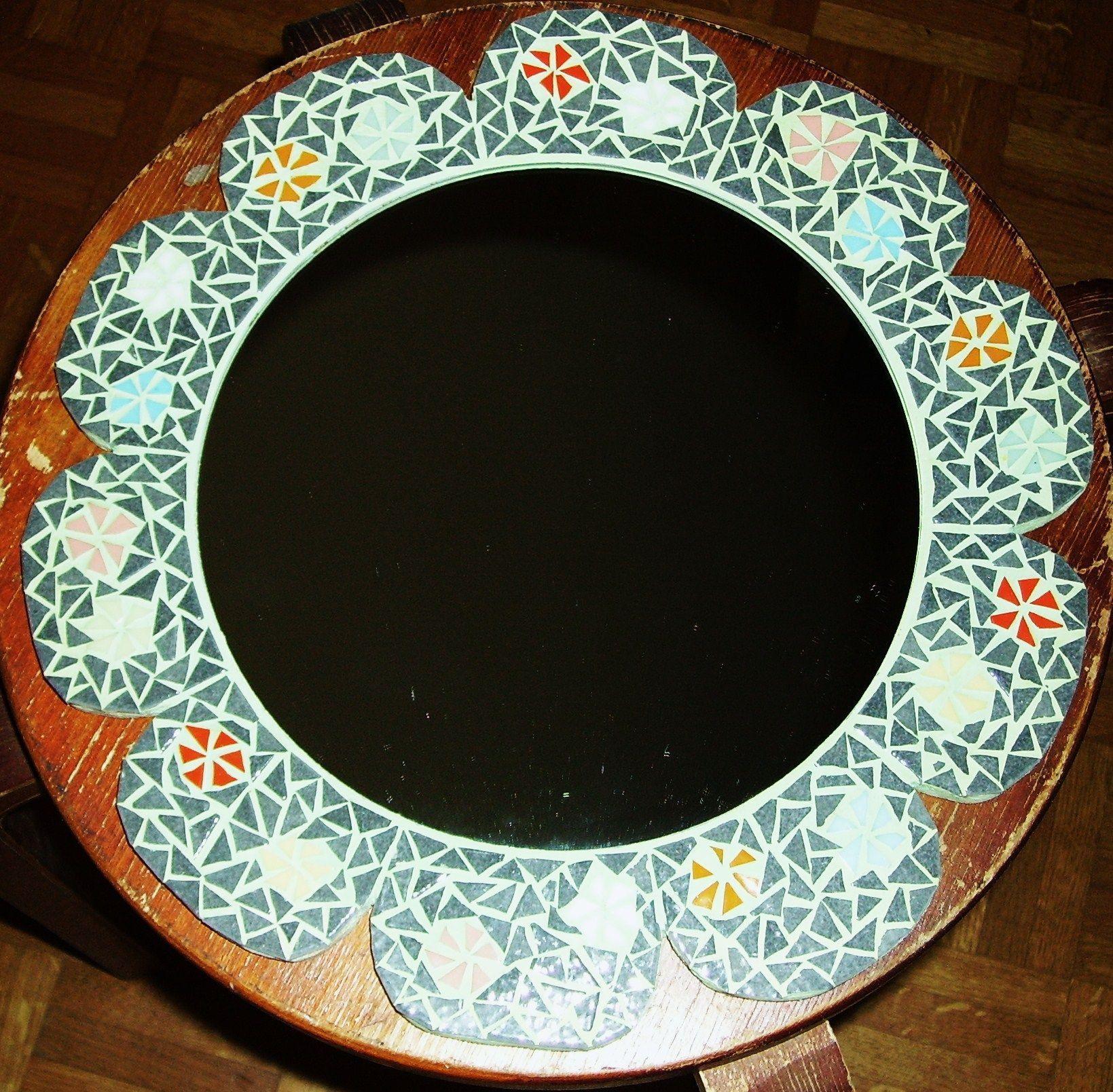 Miroir mosaique rond forme fleur for Miroir rond mosaique